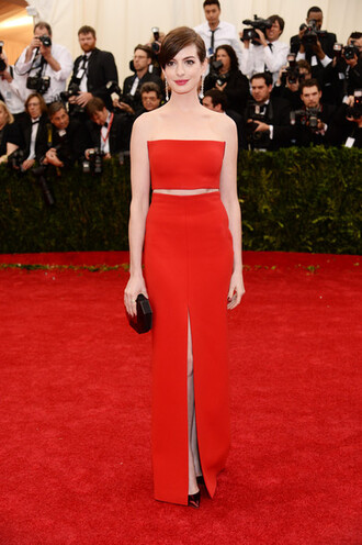 anne hathaway strapless dresses dress red