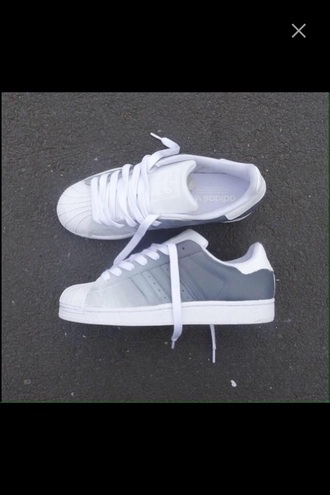 shoes adidas superstars superstar white shoes adidas ombre grey white sneakers adidas shoes adidas originals adidas supercolor sports shoes running shoes cool trendy summer spring grey shoes gris blanc adidas wings ombre bleach dye amazing grey sneakers low top sneakers