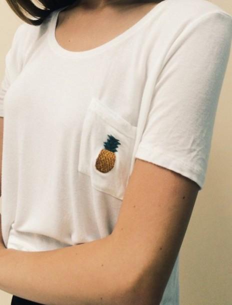t-shirt white t-shirt brandy melville top pinapples shirt white top top yellow top pockets brandy melville pocket t-shirt pineapple print ananas tshirt ananas tshirt.