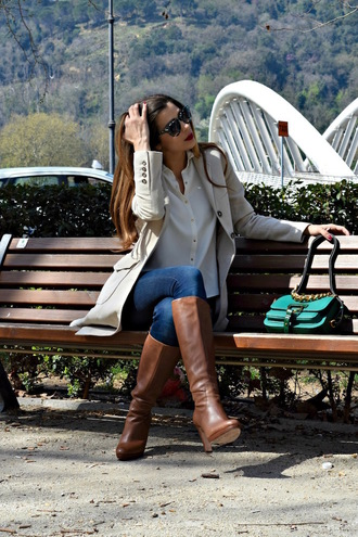 cosamimetto blogger coat shirt jeans shoes sunglasses bag brown boots knee high boots green bag trench coat spring outfits