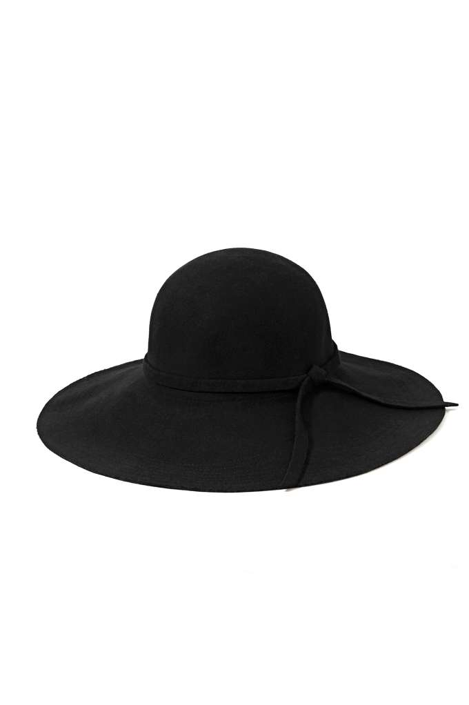 Carissa Floppy Hat at Nasty Gal