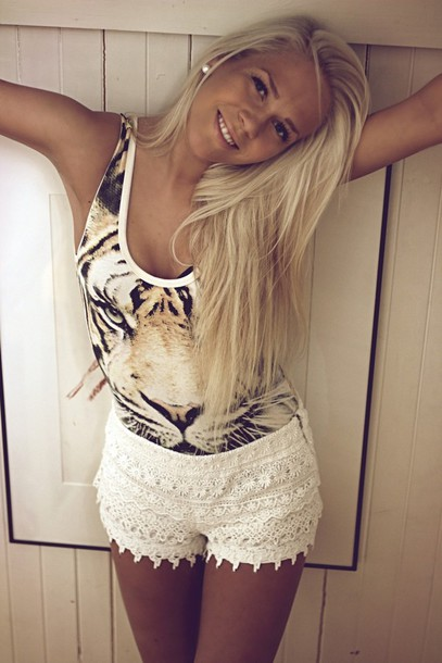t-shirt t-shirt tiger shorts animal face print summer beauty shirt tank top white shorts top tiger shirt tiger top beige casual sleeveless