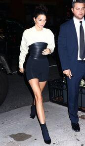 shoes,shorts,blouse,top,belt,kendall jenner,kardashians,model off-duty