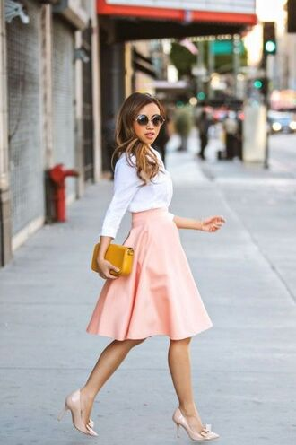 skirt white shirt blogger blush skirt pastel skirt midi skirt round sunglasses nude pumps petite girls yellow clutch