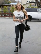 top,t-shirt,leann rimes,jeans