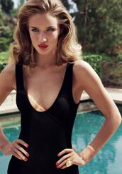 swimwear,black swimwear,black onepiece,black one piece,black one piece swimsuit,black one piece swim wear,rosie huntington-whiteley,rosie huntington whitley,rosie  hanington miranda kerr victoria secret angels,scoop neck,dress