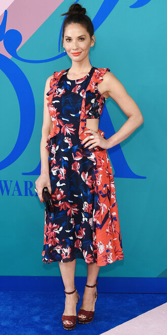 dress midi dress olivia munn platform sandals shoes cfda