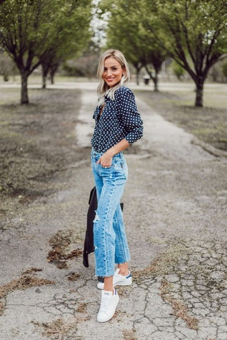 top blouse polka dots sneakers jeans denim blue jeans spring outfits white sneakers