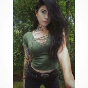 blogger,Pin up,lace up,sexy,army green,lace up top,v neck,black jeans,skinny jeans