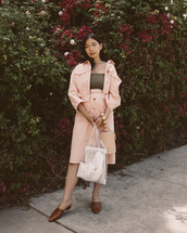 skirt,pink skir,pink skirt,top,jacket,pink jacket,blazer,hoes,shoes,bag,white bag,brown flats,brown mules,mules