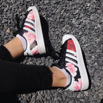 shoes low top sneakers adidas girl girly girly wishlist adidas shoes adidas superstars adidas originals floral floral sneakers floral adidas
