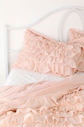 home accessory,bedding,ruffle,frilly,pink,bedroom,home decor,cute