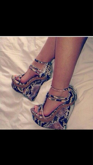 shoes wedges snakeskin print