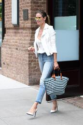 jeans,streetstyle,heidi klum,jacket,top,spring outfits