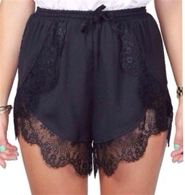 Lace trim lagoon shorts (black)
