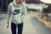 nike,grey sweater,long sleeves,black leggings,leggings,sportswear,sports pants,workout,workout leggings,sports sweater,jacket,sweater,shoes,sweatshirt,nike sweatshirt,grey,gray sweatshirt,pullover,gray pullover,girl,blonde hair,nike sweater,nike nike sweater,nike high tops,nathalieurena,grey nike hoodie,rey black,shirt