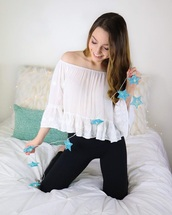 blouse,white top,off the shoulder,flowy