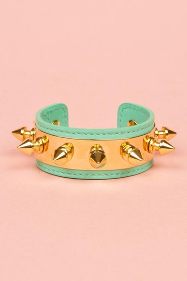 studs gold jewels green