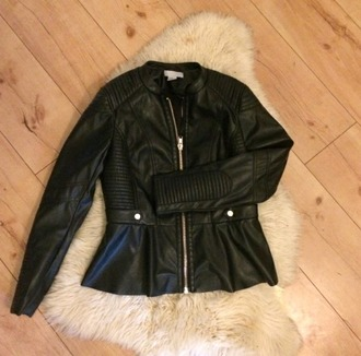 jacket black jacket gold zipper zipper jacket leather jacket black leather jacket allblackoutfits grungy girl jacket girly peplum peplum jacket faux leather