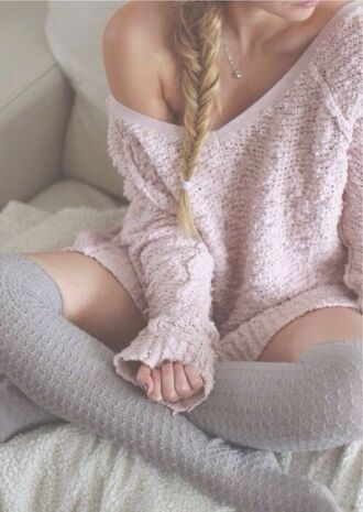 sweater socks grey dress pink long hair underwear blonde hair silver necklace gold necklace vintage jumper knee high socks off the shoulder sexy fluffy cozy cozy sweater baby pink fuzzy sweater holiday season pink sweater soft cardigan crochet light pink baggy thigh highs off the shoulder sweater oversized sweater pastel