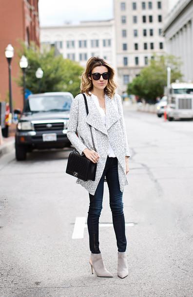 hello fashion blogger cardigan blouse jeans bag t-shirt sunglasses