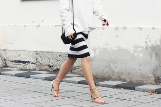 so in carmel blogger sweater skirt shoes bag jewels sunglasses