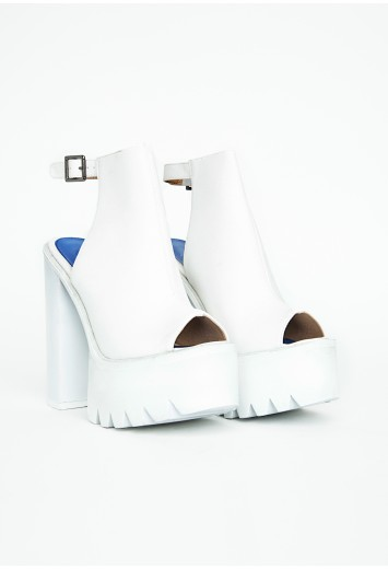 Mirella Extreme Platform Buckle Sandals - Footwear - Heels - Missguided
