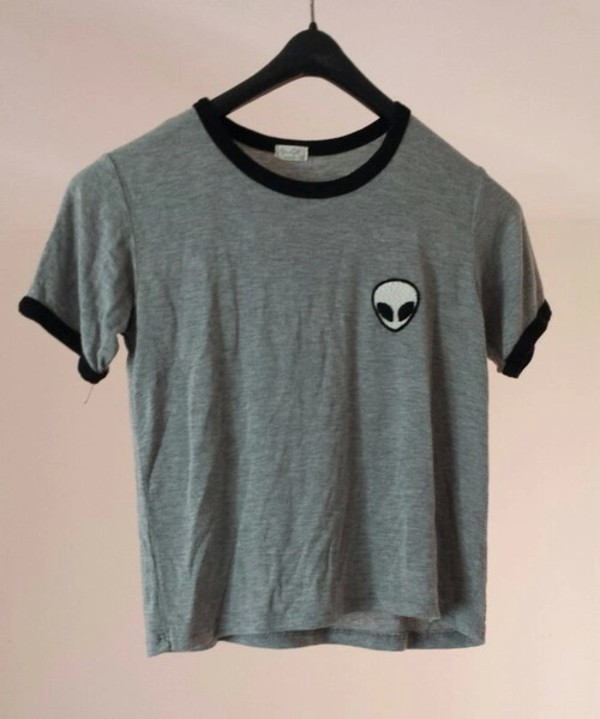 Top T-shirt: brandy melville, alien, grey, grunge, basic, top, blouse  UO89