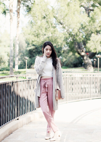 clothes to youuu blogger pants sweater top cardigan shoes bag pink pants mid heel pumps spring outfits