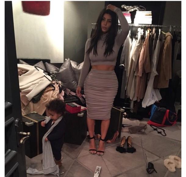 skirt kim kardashian two-piece tight grey crop tops tank top