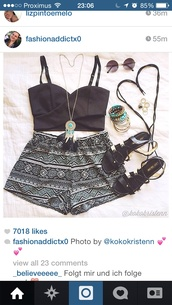 shoes,shorts,jewels,blouse,top,necklace,jewelry,dreamcatcher,dreamcatcher necklace,tribal pattern,instagram,outfit,black and white tribal shorts,black crop top,black and white shorts,tribal shorts,sandals,strappy,cute,boho,crop tops,beach,summer,black and white