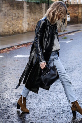 le fashion image blogger sweater coat jeans leather coat leather jacket handbag ankle boots fall outfits black leather coat tumblr black coat grey sweater denim blue jeans boots high heels boots brown boots suede suede boots bag black bag
