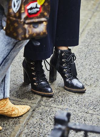 shoes nyfw 2017 fashion week 2017 fashion week streetstyle black boots high heels boots ankle boots
