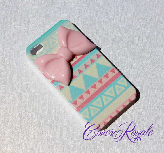 iPhone 4 Tribal Bow Case by CoverRoyale on Etsy
