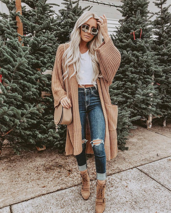 jeans ripped jeans sweater oversized sweater crop tops crossbody bag