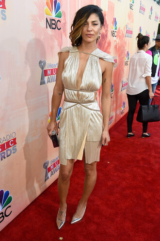 dress gown gold pumps prom dress jessica shzor red carpet iheartradio music festival