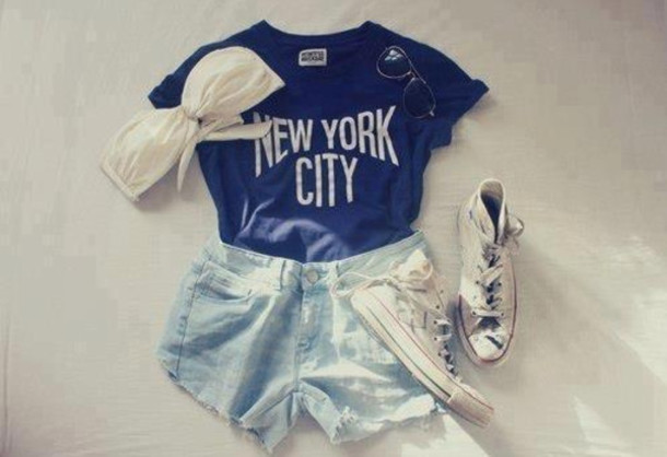 t-shirt navy new york city top t-shirt shorts new york city converse bikini sunglasses blue shorts chuck taylor all stars shirt sneakers tank top shoes bandeau bikini t-shirt glasses graphic tee High waisted shorts swimwear newyork slogan graphic tee denim cute hipster blue black