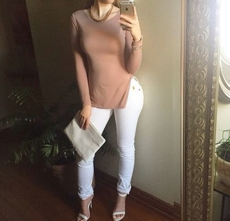 t-shirt white jeans strappy shoes shoes heels white shoes highwaisted white jeans high heels