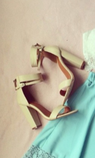 shoes white medium heels creme
