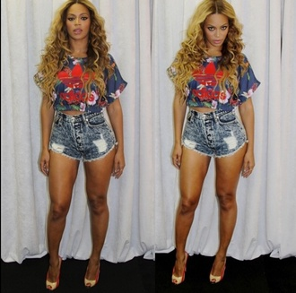 top beyonce adidas crop tops blue shirt high waisted shorts high heels cute dope red blue purple yellow sexy baddies fashion floral
