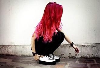 socks shoes creepers white creeper white grunge rock alternative pink hair red hair platform shoes platform sneakers le happy vans warped tour