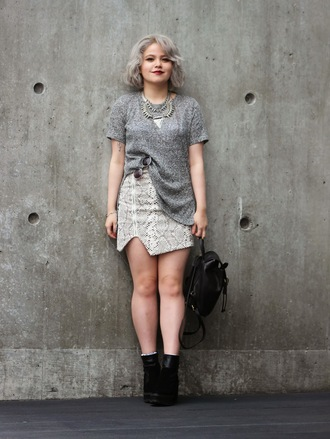 broke hell blogger skirt silver necklace leather backpack snake print grey t-shirt bag shoes top sunglasses