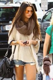 bag,selena gomez,tumblr,sunglasses,sweater,shirt,scarf