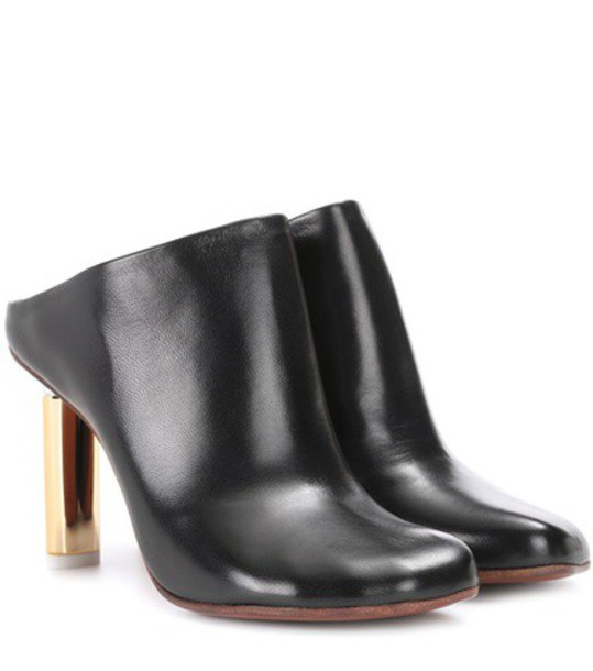 Vetements Leather mules in black