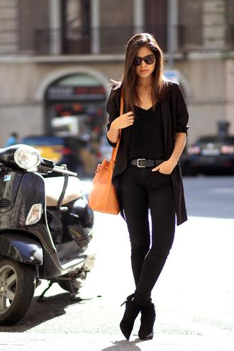 fake leather blogger jacket jeans belt bag jewels sunglasses skinny pants
