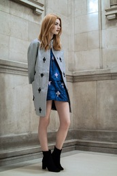 hannah louise fashion,blogger,coat,blue skirt,two-piece,embellished,red hair