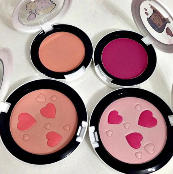 make-up make-up cosmetics mac cosmetics new heart browners fame face makeup girly valentines day gift idea hat cheek blush