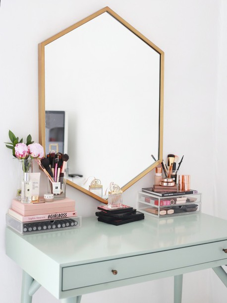 home accessory tumblr home decor makeup table table make-up flowers mirror