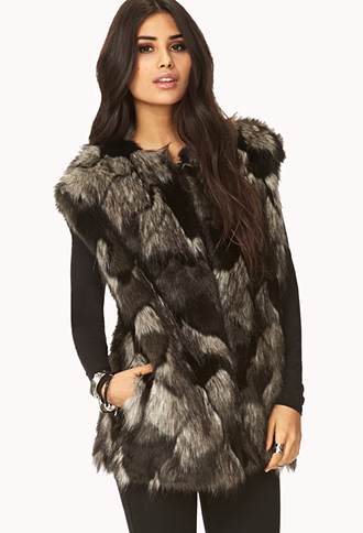 Luxe Faux Fur Vest | FOREVER21 - 2000093100