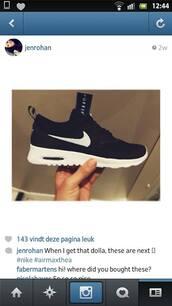 shoes,nike,black and white,black,white,nike air,nike sneakers,air max